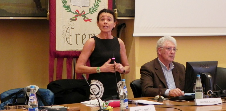 Stefania Bonaldi e Vincenzo Cappelli durante l'ultimo Consiglio comunale