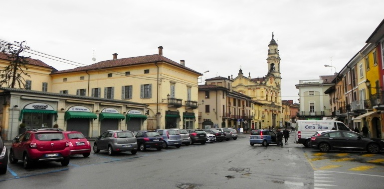 Uno scorcio di piazza papa Giovanni XXIII