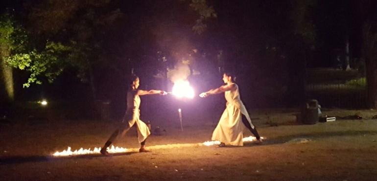 Insula medievale, lo spettacolo di fuoco
